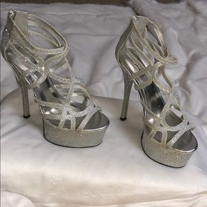 """6"""" lunches silver high heels"""